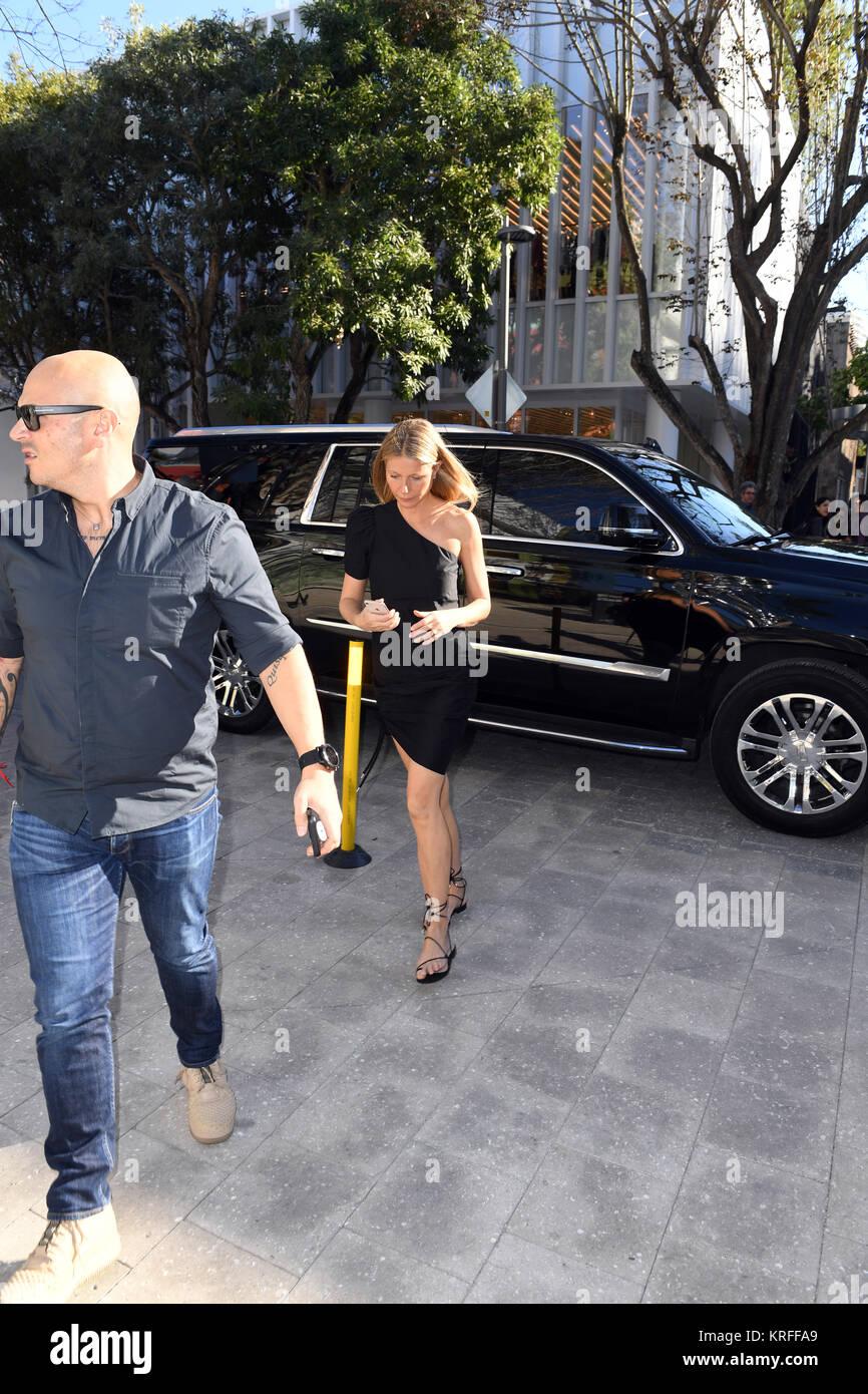 MIAMI, FLORIDE - 15 DÉCEMBRE: Gwyneth Paltrow refuse de parler à quiconque ou de signer des autographes Photo Stock