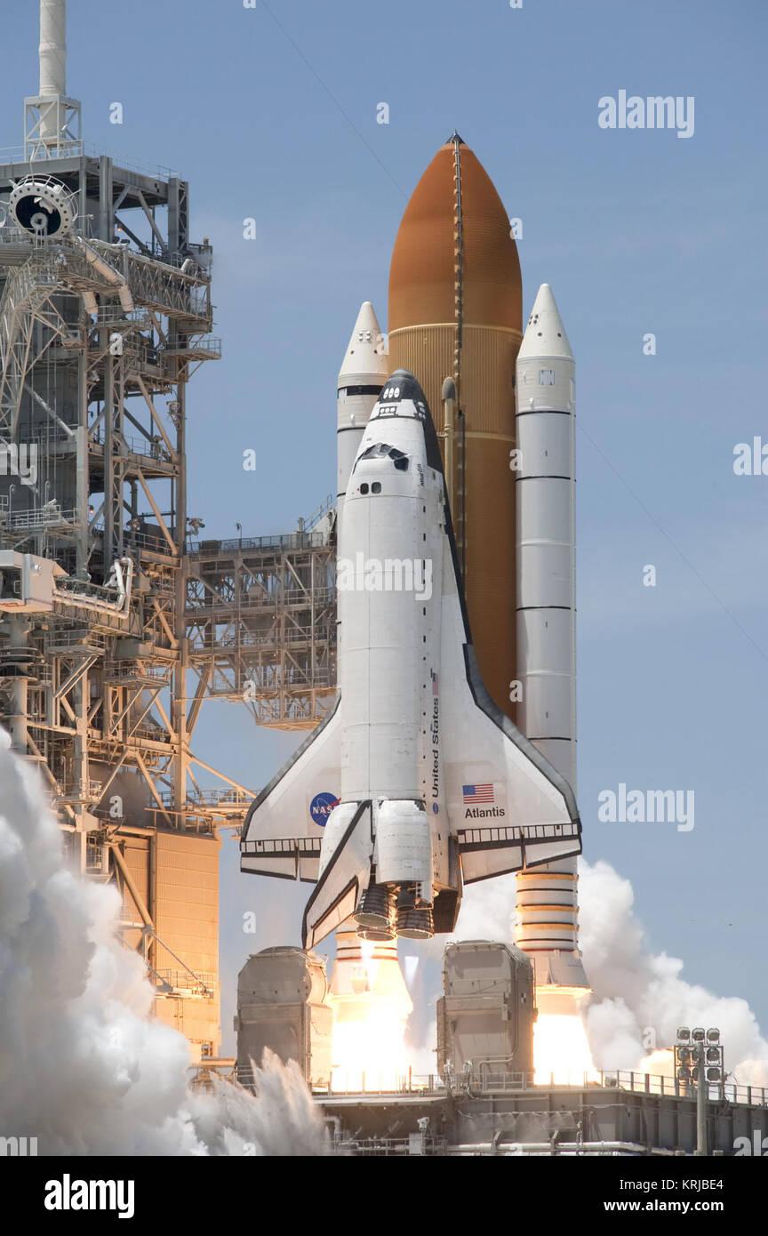 space shuttle habitable volume - photo #7