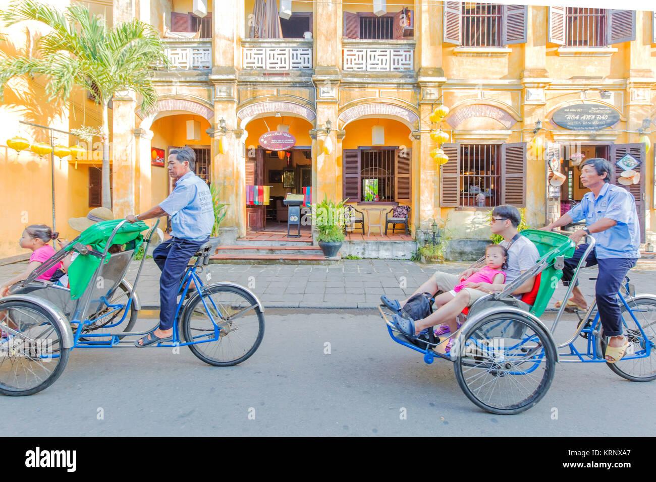 Cyclo à Hoi An, Vietnam Banque D'Images