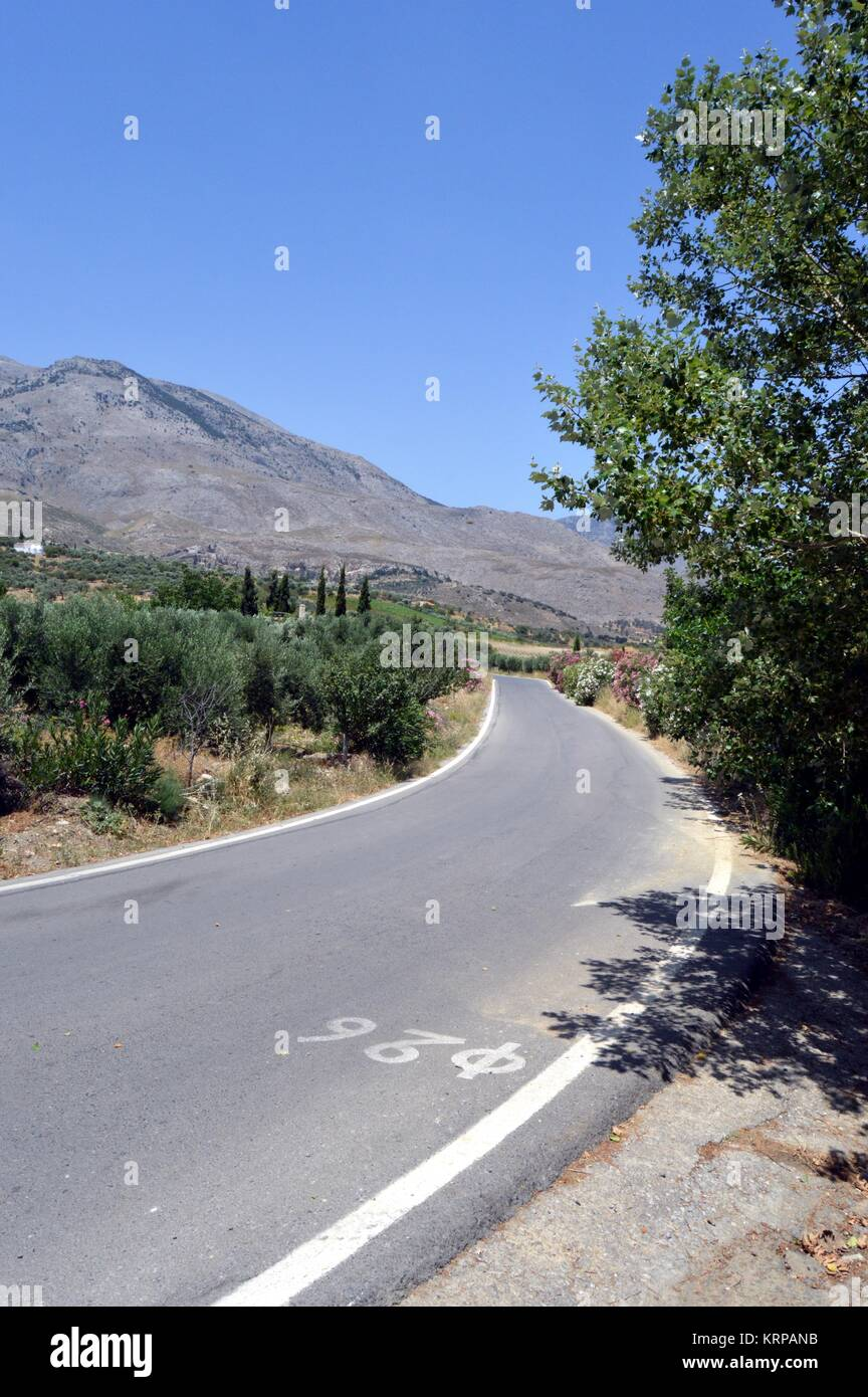 Une route calme vers le bas. Photo Stock