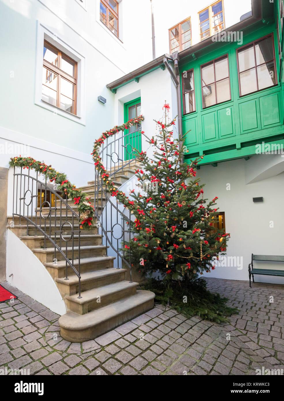 Arbre de Noël sur la place de la Vieille Ville à Prague Photo Stock