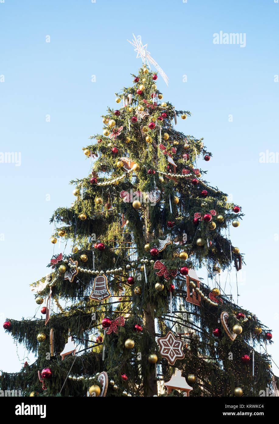 Treeon de Noël Place de la Vieille Ville à Prague Photo Stock