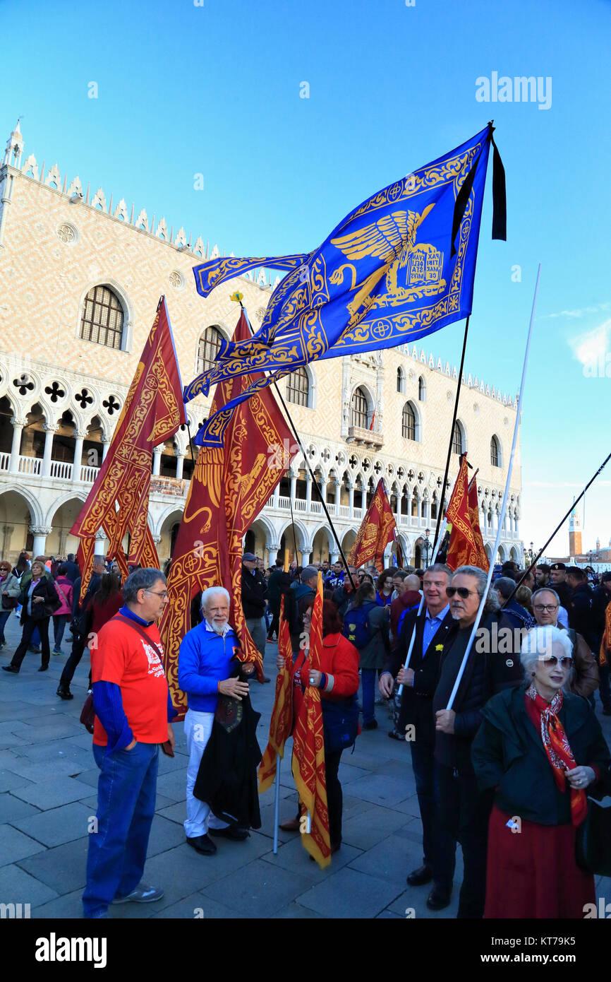 Drapeaux de Venise, Bandiera Repubblica Veneta Photo Stock