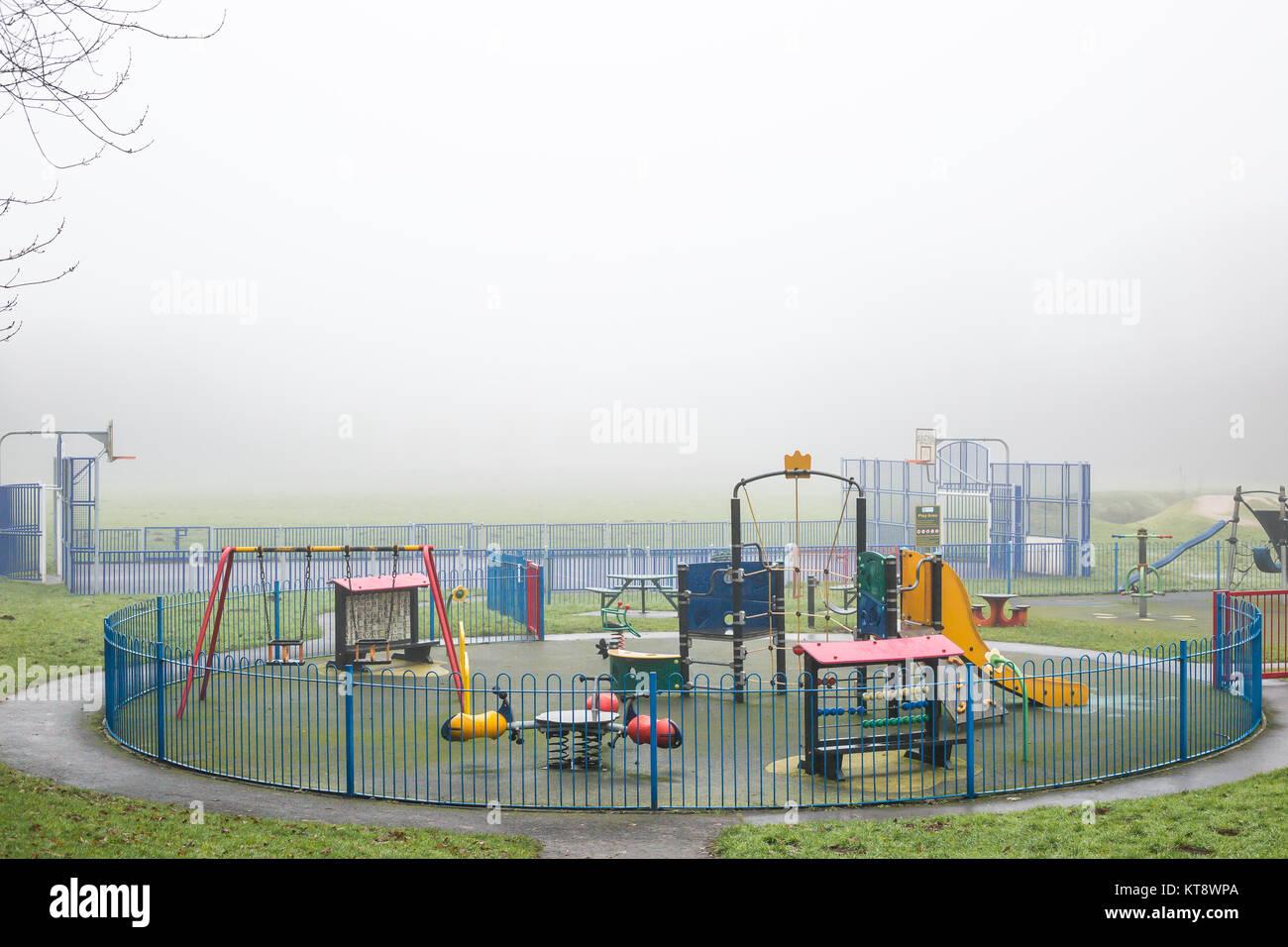 Kidderminster, UK. 22 Décembre, 2017. Météo France: le brouillard s'arrête de jouer Photo Stock