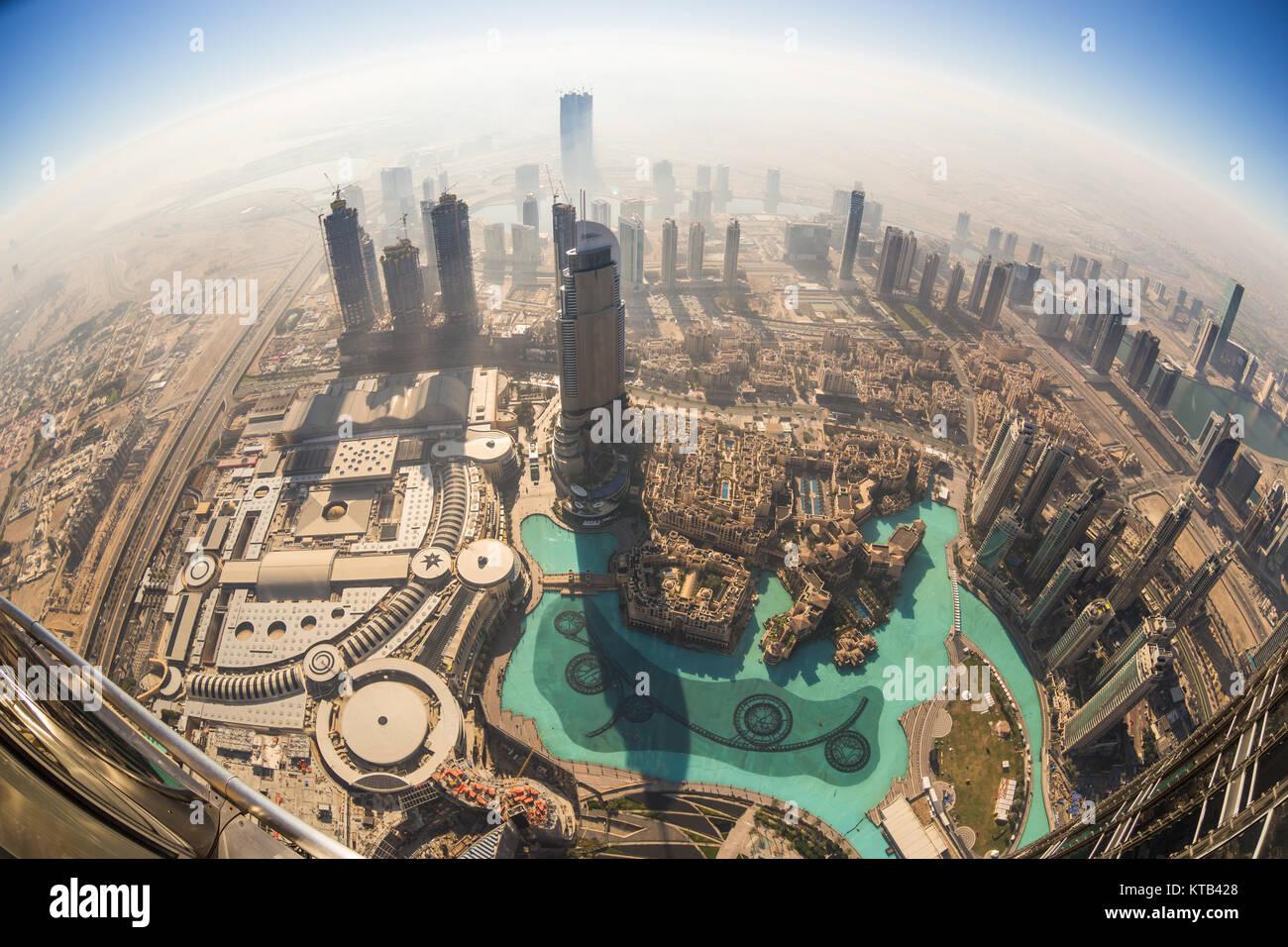 Vue aérienne du centre-ville de Dubaï du Burj Khalifa, Dubai, Emirats Arabes Unis. Banque D'Images