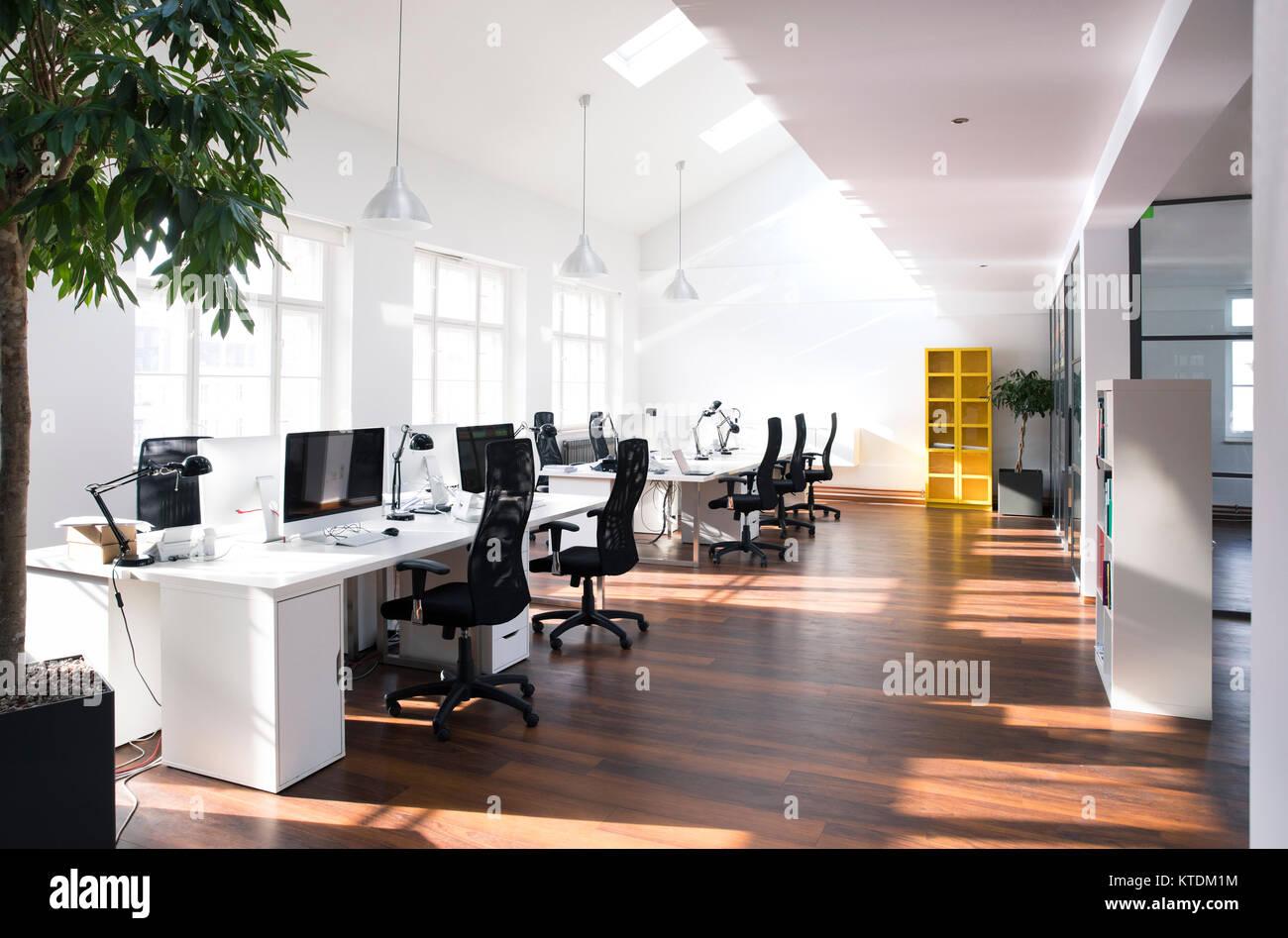 Beewake coworking salle de réunion bureau à partager espace