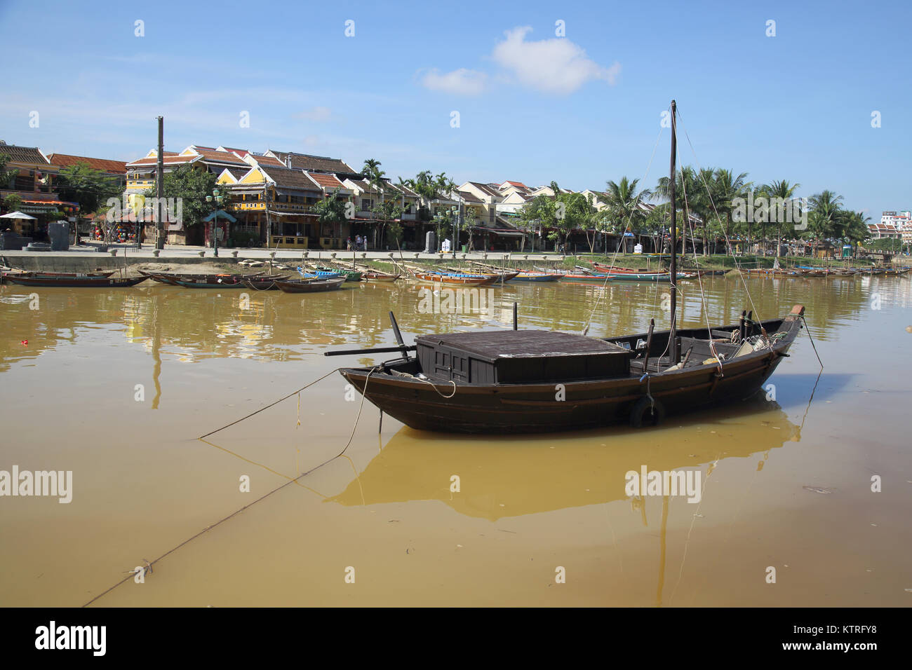 La rivière thu bon circulant dans hoi An vietnam Photo Stock
