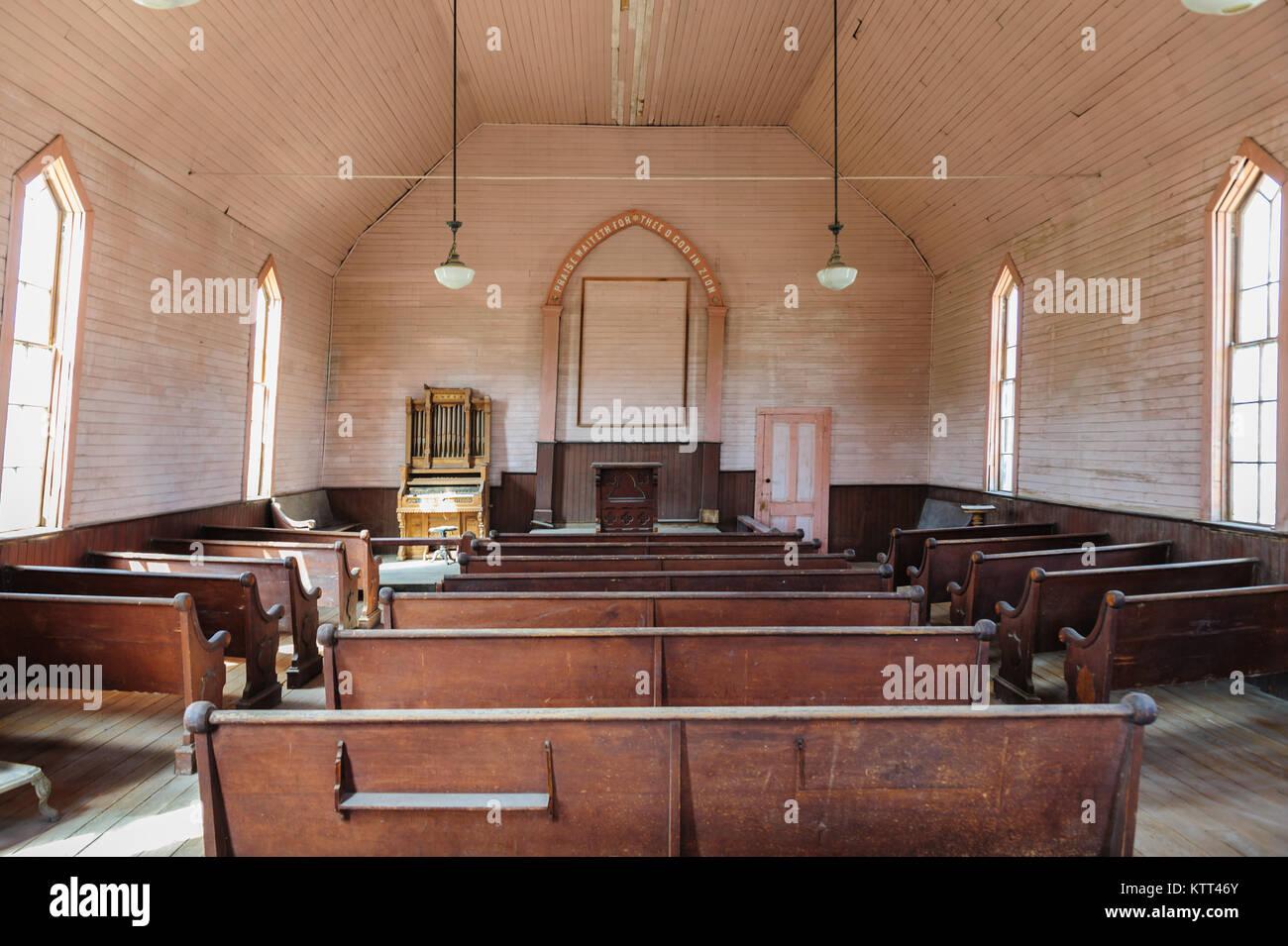 L'intérieur d'une église abandonnée Photo Stock