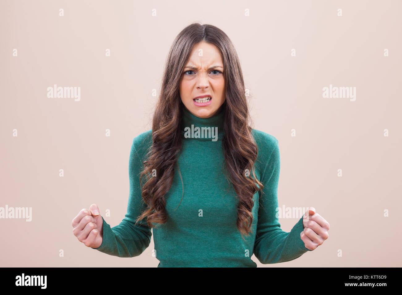 Portrait de femme en colère et furieux Banque D'Images
