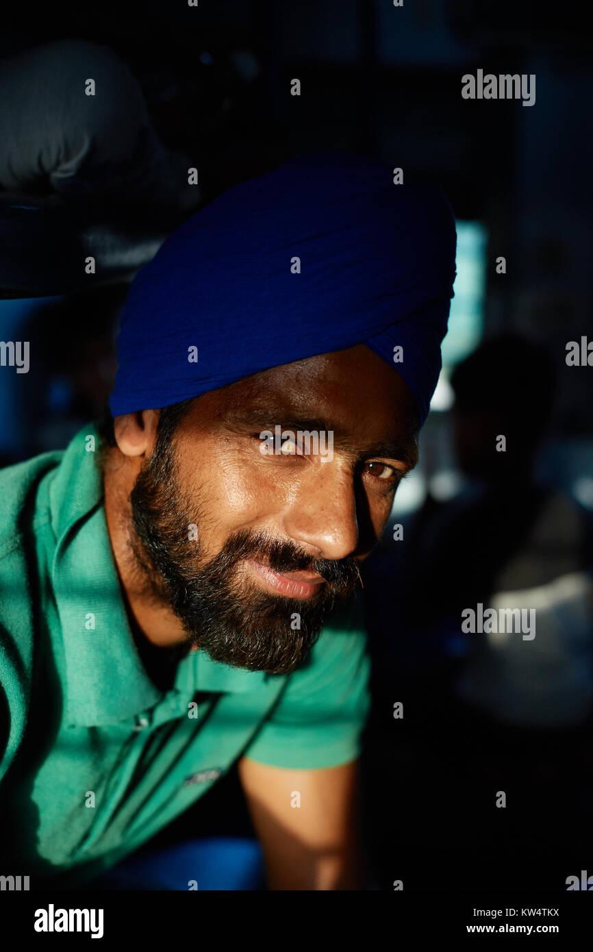 Sikh indien dans le train de Mathura à Dehli, Inde Photo Stock