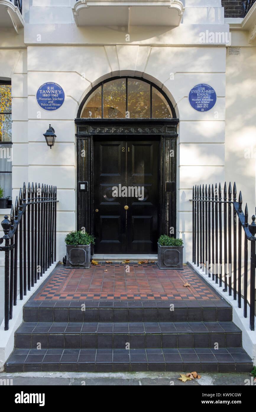 Blue plaque pour R H Tawney et Sir Syed Ahmed Khan, 21 Mecklenburgh Square, London, UK Banque D'Images