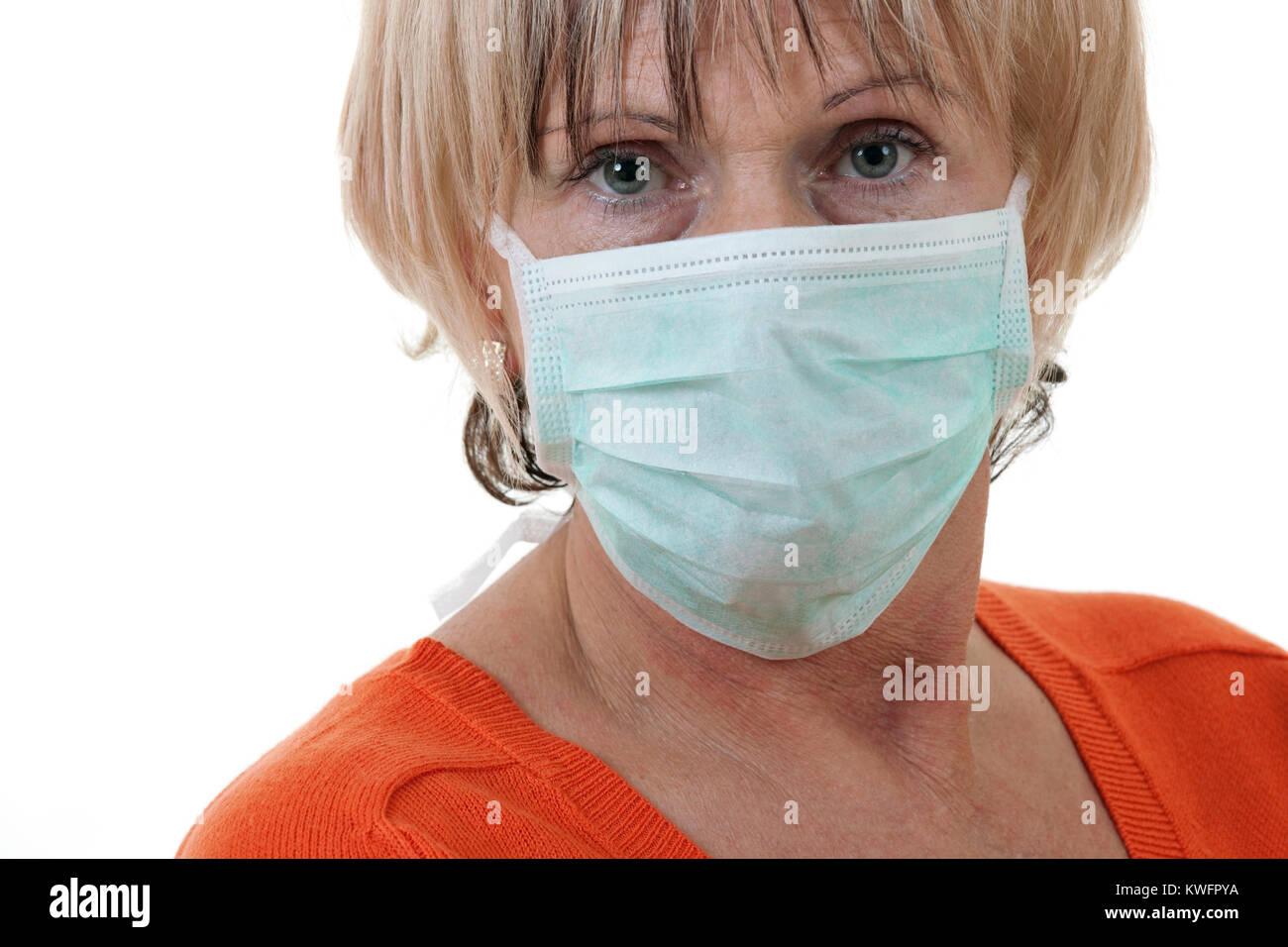 femme masque anti virus