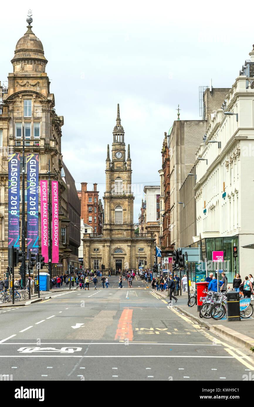 Afficher le long de la rue George et West George Street à St George's Tron Church dans le centre-ville de Glasgow, Écosse, Royaume-Uni Banque D'Images