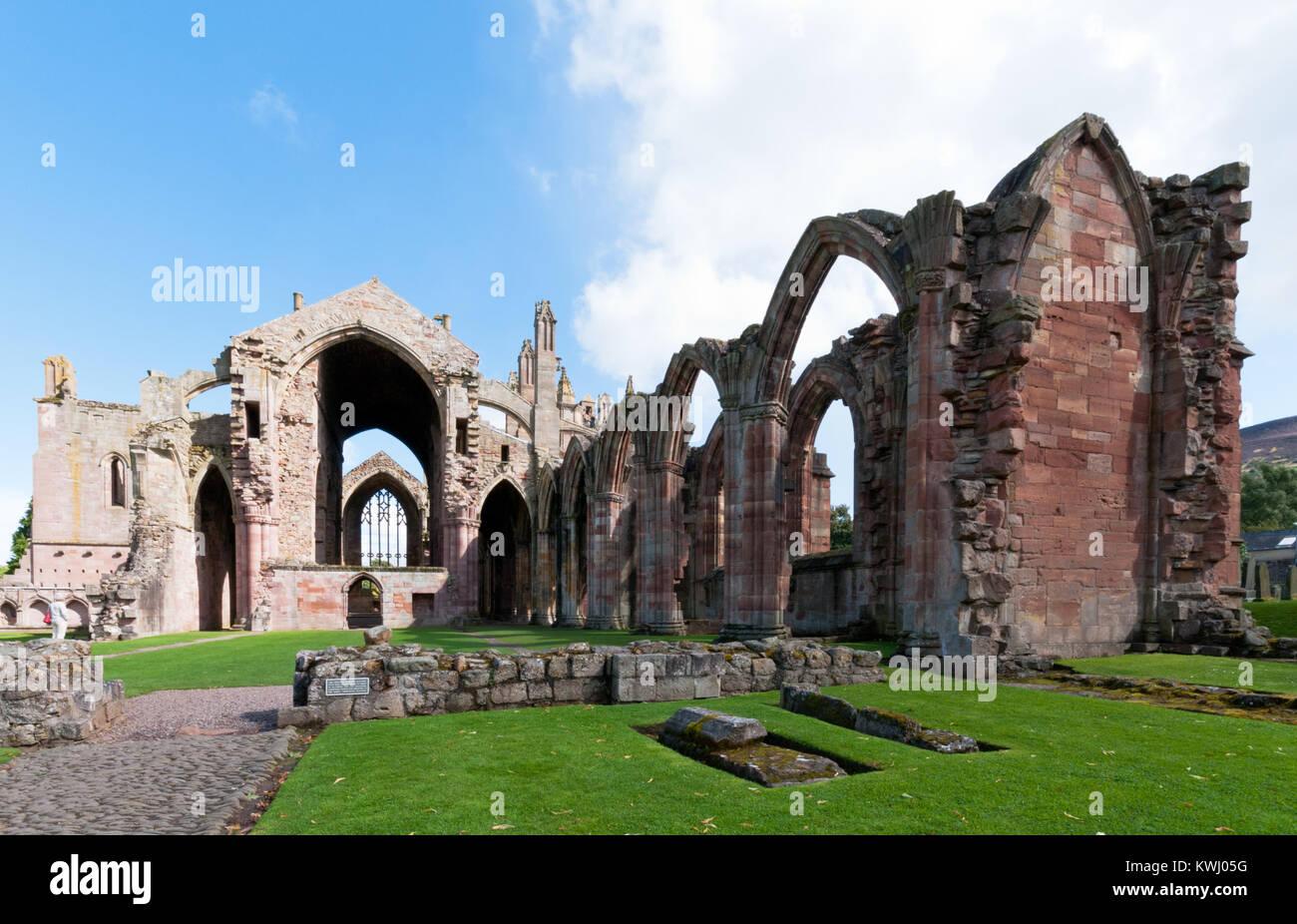 Ruines de la célèbre Abbaye de Sainte Marie au village de Melrose , Écosse Photo Stock