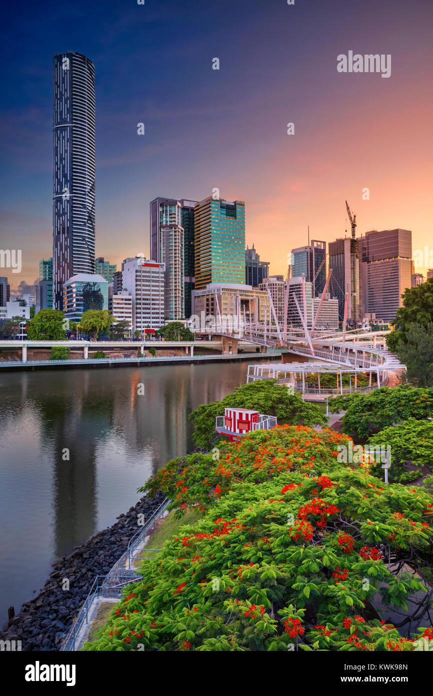 Brisbane. Cityscape image de Brisbane, Australie au cours de l'horizon lever du soleil spectaculaire. Photo Stock