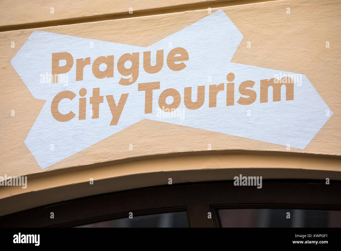 PRAGUE, RÉPUBLIQUE TCHÈQUE - 23 décembre 2017: Le signe officiel du tourisme de Prague dans Photo Stock