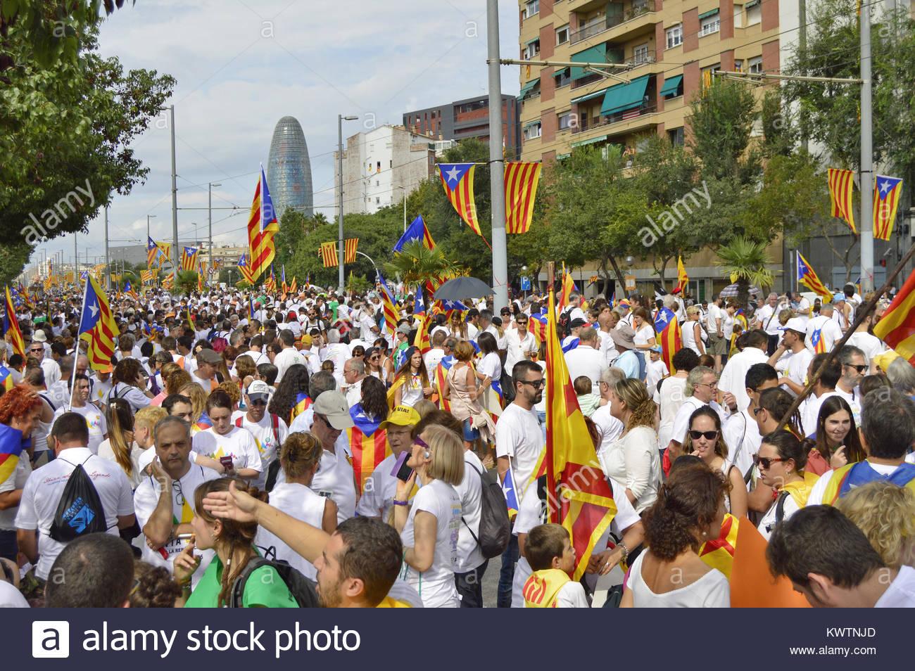 Rue des gens rassemblement pour l'indépendance de l'Espagne Catalogne, Fête nationale de la Catalogne Photo Stock