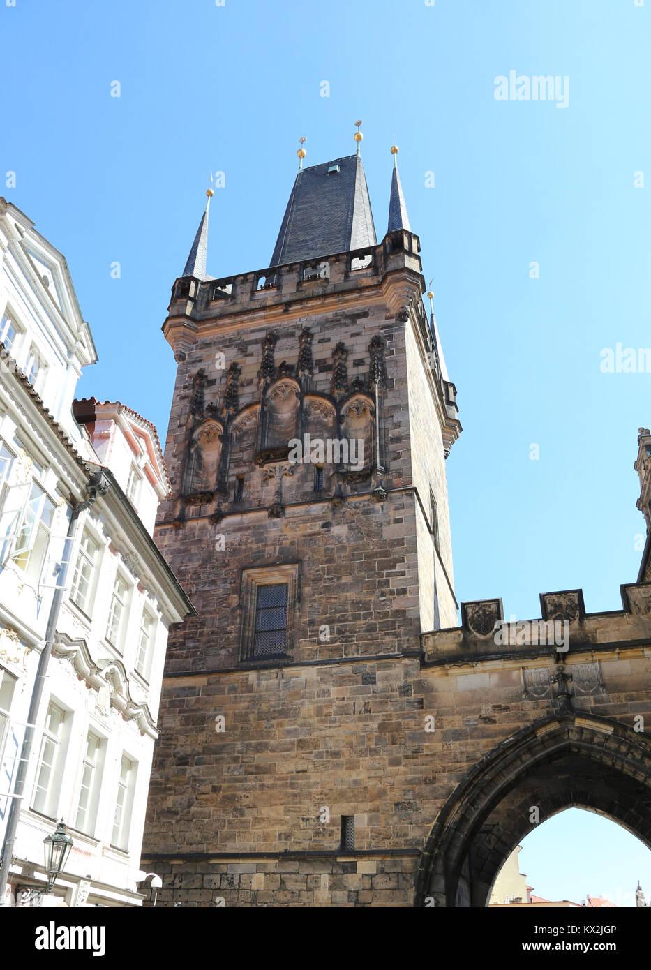 Prague, République tchèque - 25 août 2016: Ancienne tour du Pont Charles Photo Stock