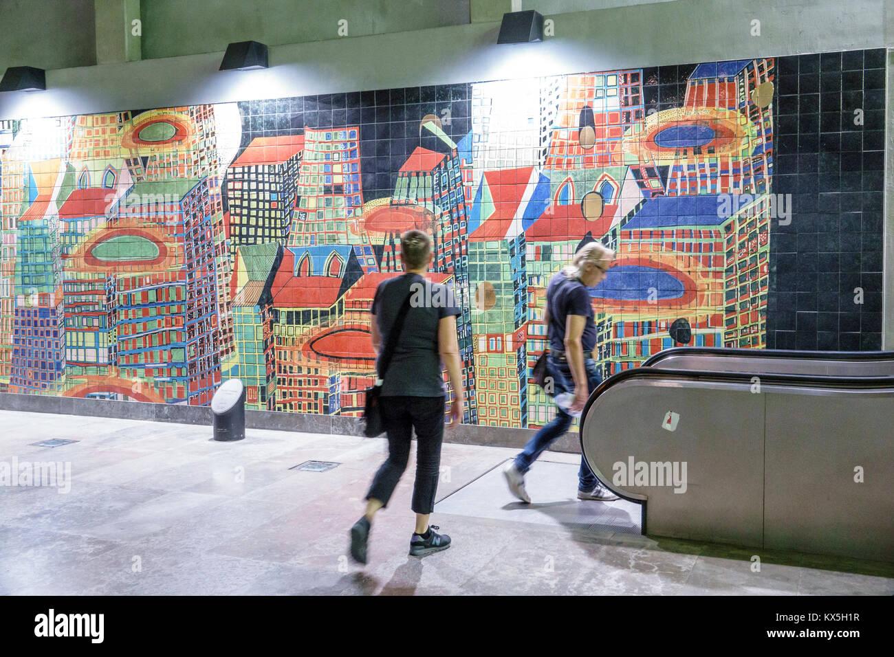 Métro de Lisbonne Portugal Lisboa oriente les transports Les transports en commun Métro station murale Photo Stock