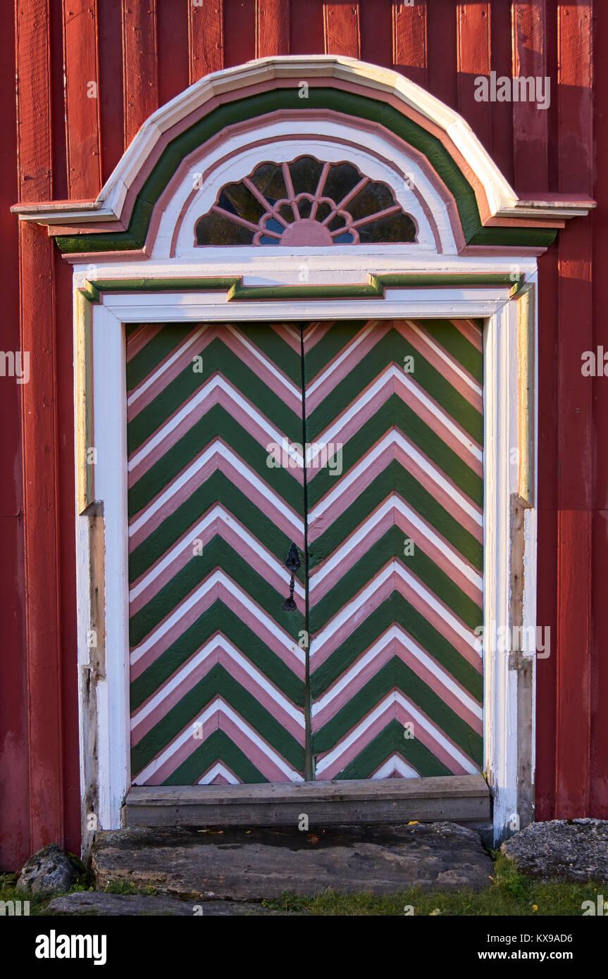 Porte à motifs au Musée Petter Dass, Alstahaug, Nordland, Norvège Photo Stock