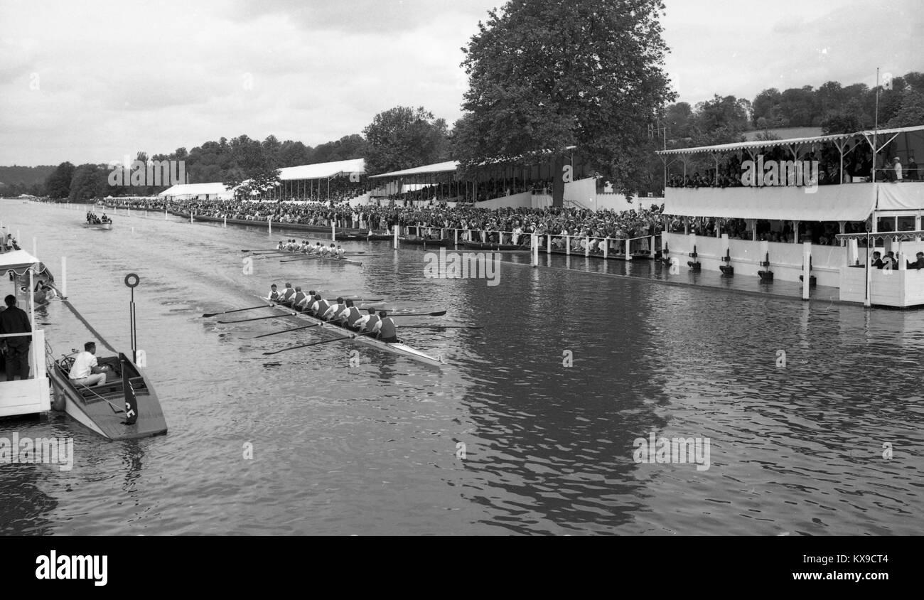 Juillet 1990, Henley on Thames, Oxfordshire, Angleterre. Henley Royal Regatta scène sur la Tamise. Vue générale Photo Stock