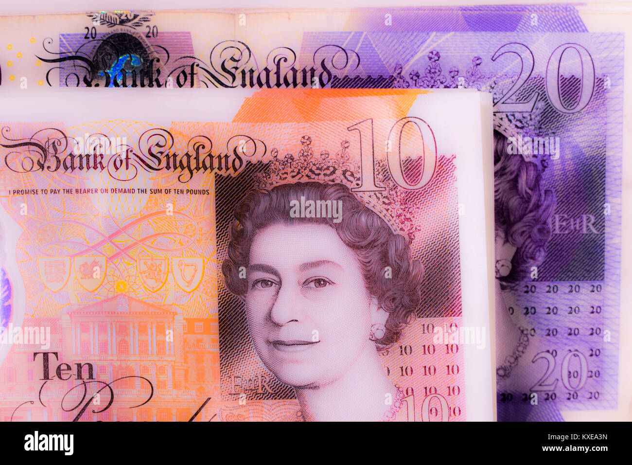 Nouveau €10 notes (10 livres) avec £20 notes derrière. Devises Pound Sterling libre. Concept de UK / la Photo Stock
