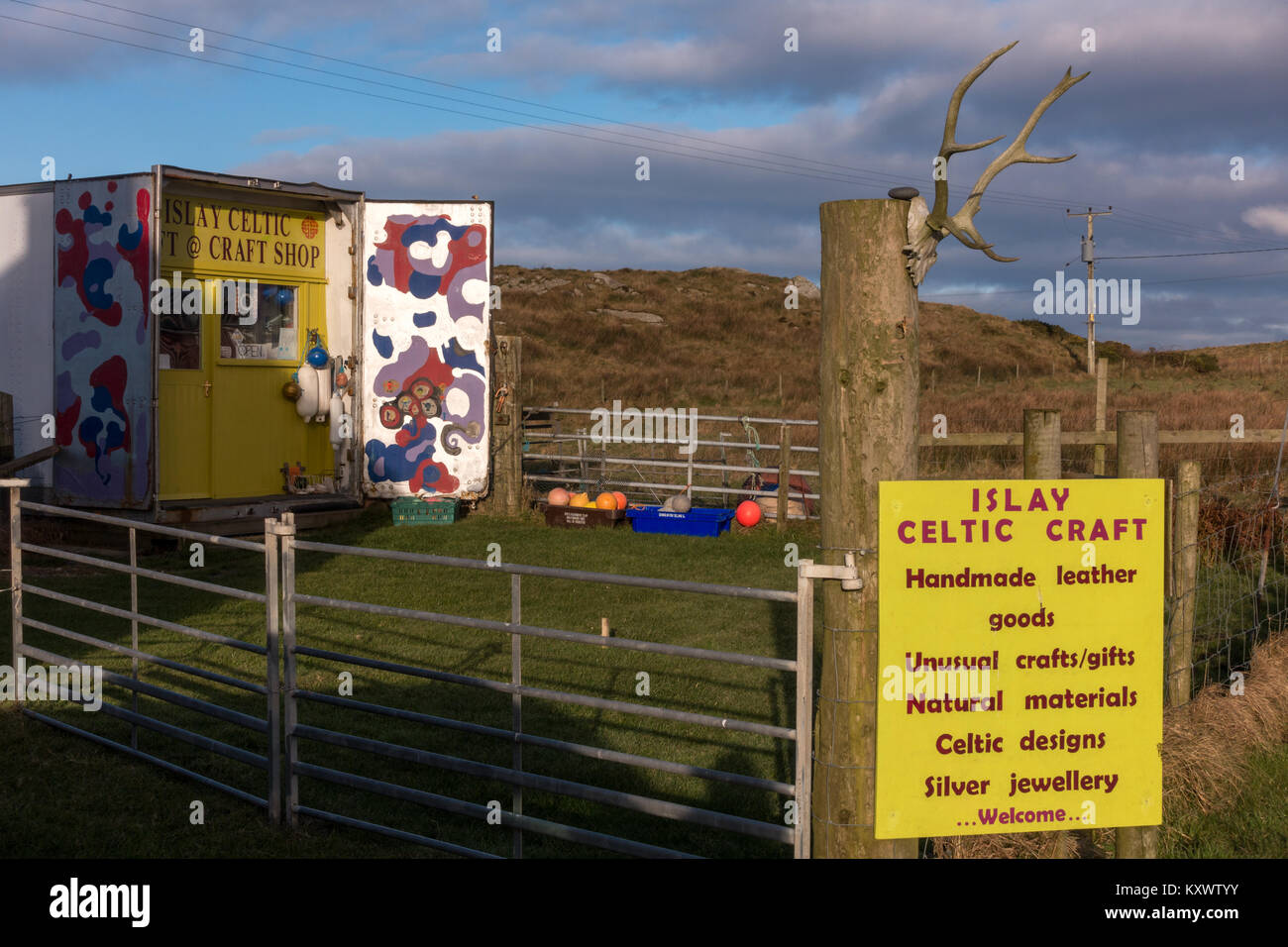 Boutique d'artisanat celtique original avec des marchandises sur Isle of Islay Photo Stock