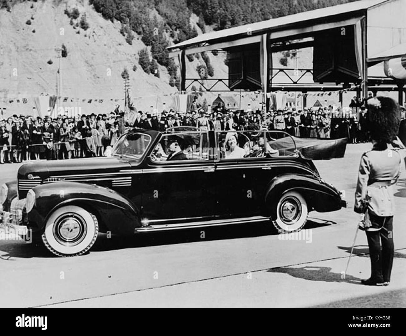 Sa Majesté le Roi George VI et La Reine Elizabeth à Wolfe's Cove pour commencer leur visite au Canada Banque D'Images