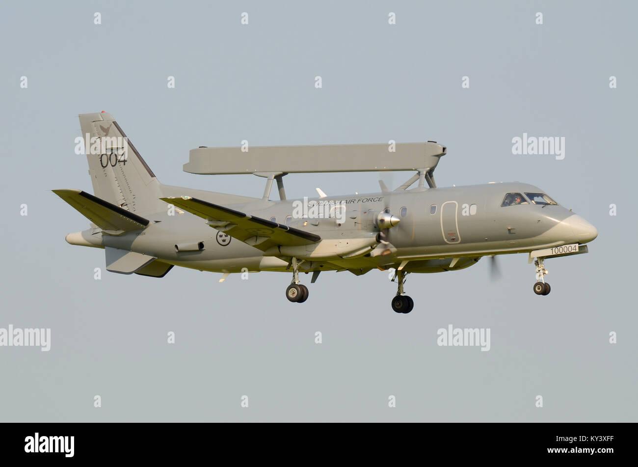 Armée de l'air suédoise Saab 340 AEW&C S100B Argus 100004 (CN 395) Système aéroporté Photo Stock