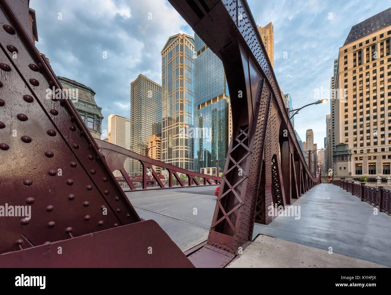 Bridge dans le centre-ville de Chicago Photo Stock