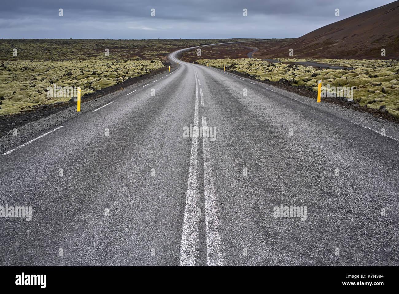 Paysage avec chemin pays islandais Photo Stock