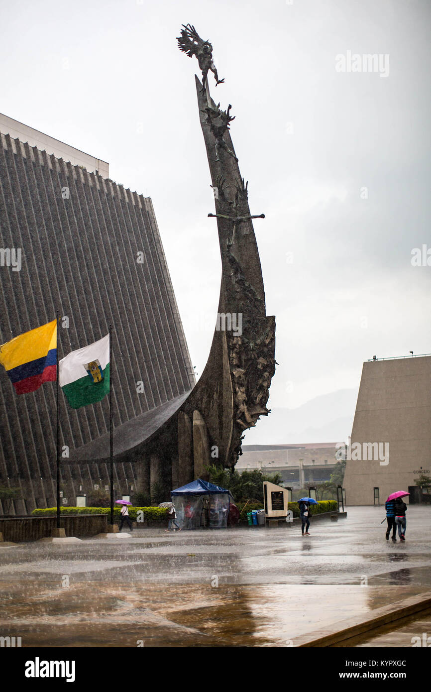 Medellin, autrefois connue sous le nom de ville la plus dangereuse du monde pendant les années 1990, est devenu l'un de l'Amérique du Sud la plupart des destinations populaires. Banque D'Images