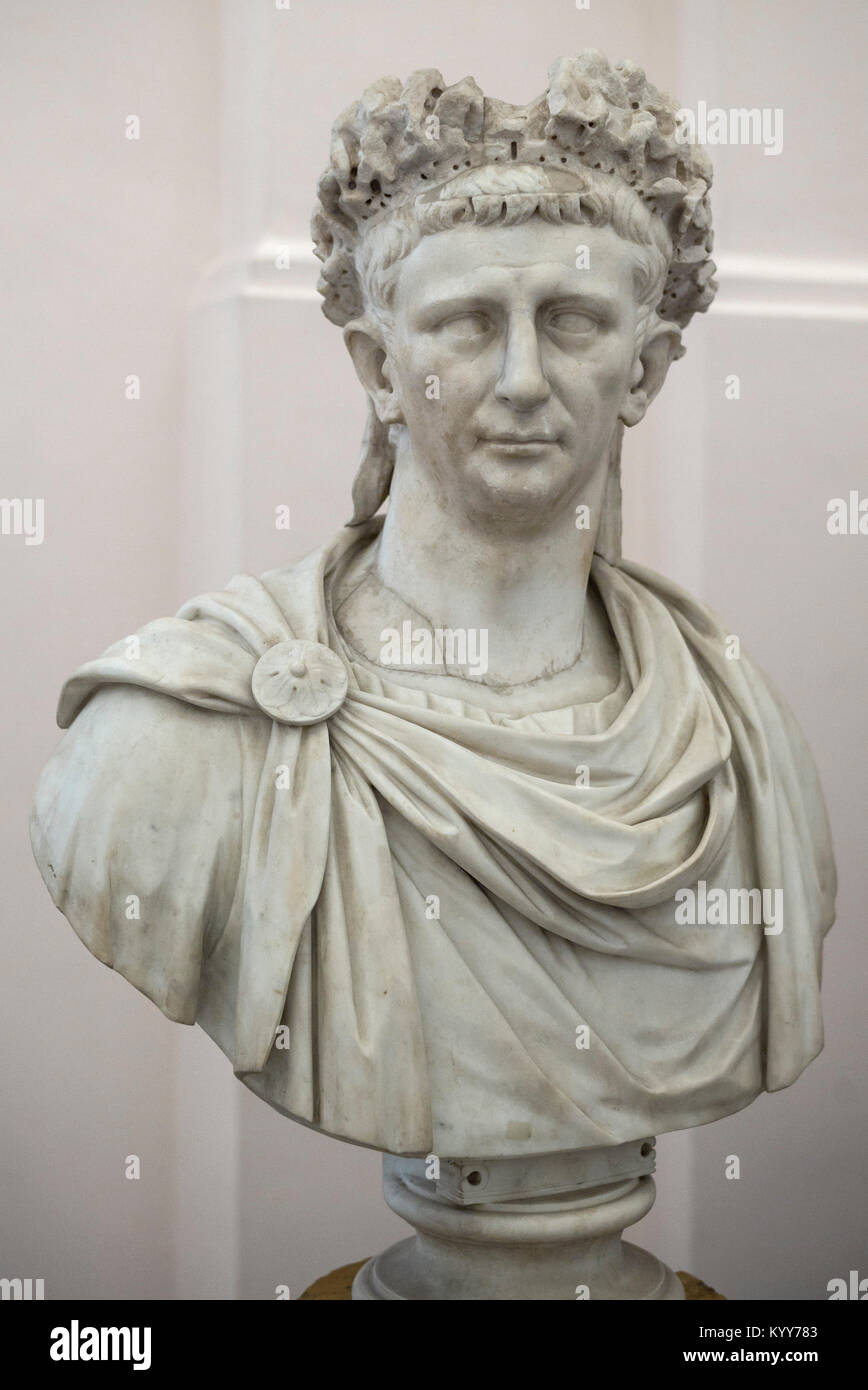 Naples. L'Italie. Buste en marbre de l'empereur romain Claude. Museo Archeologico Nazionale di Napoli. Musée Photo Stock