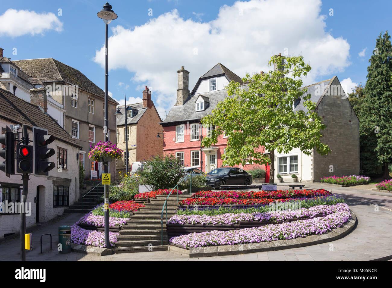 Maisons d'époque sur Castle Street, Market Hill, Calne, Wiltshire, Angleterre, Royaume-Uni Photo Stock