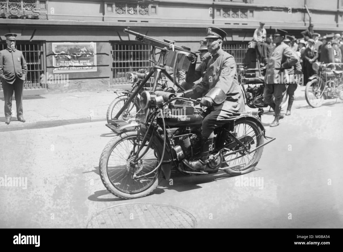 Moto Police Mobile Machine Gun Photo Stock