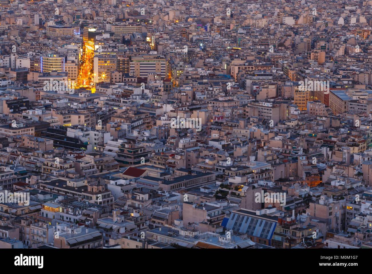 Vue d'Athènes depuis la colline du Lycabette à l'aube, la Grèce. Photo Stock