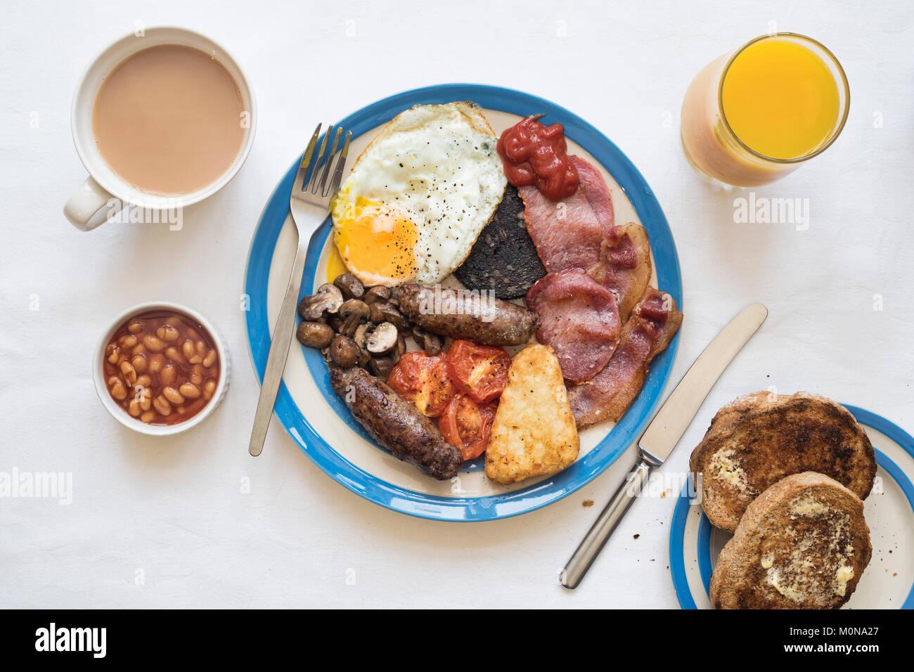 Un petit-déjeuner anglais complet à partir de ci-dessus. UK Banque D'Images