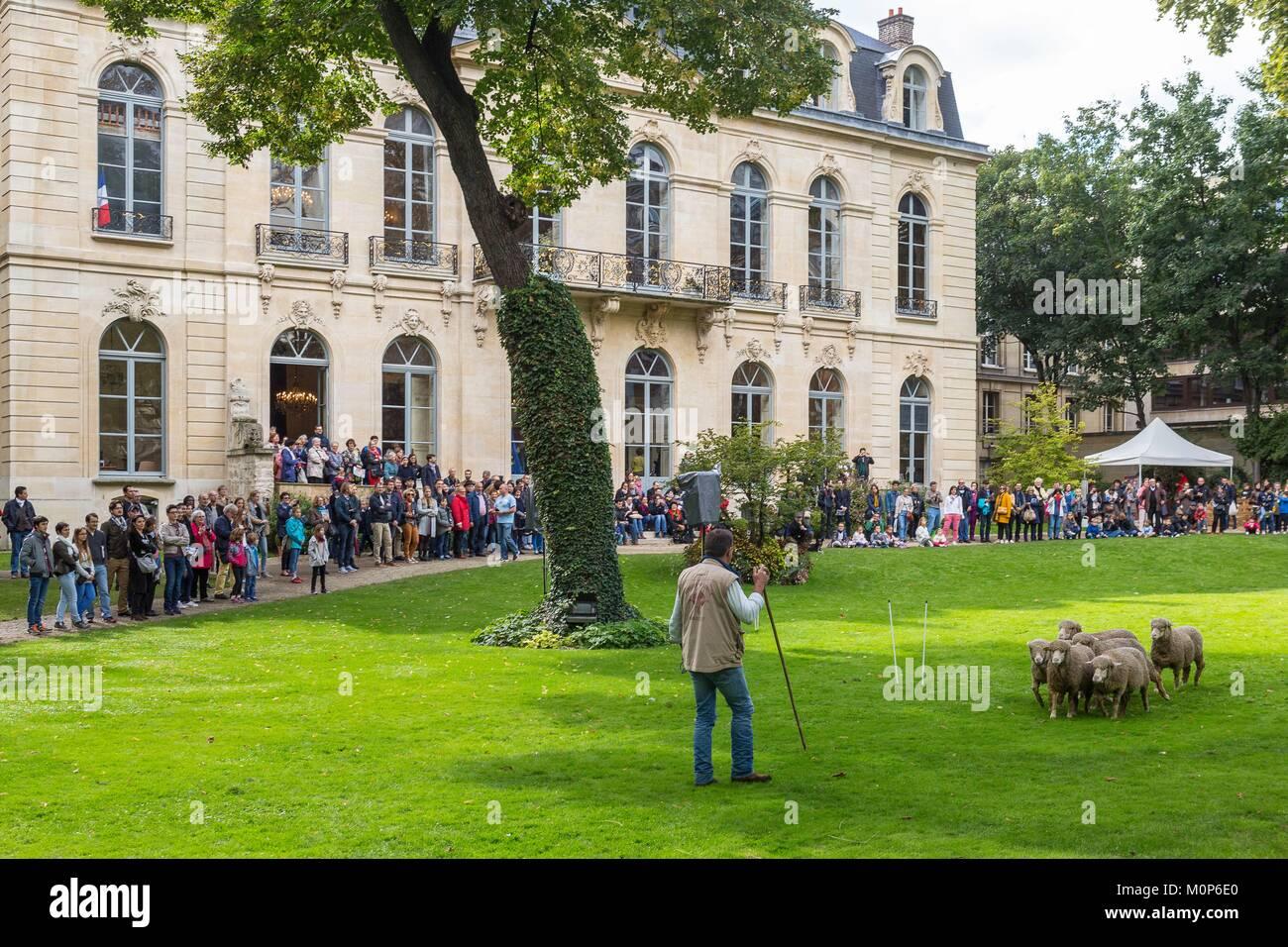 France,Paris,Journées du Patrimoine 2017, l'hôtel de Villeroy,en ce moment le ministère français Photo Stock