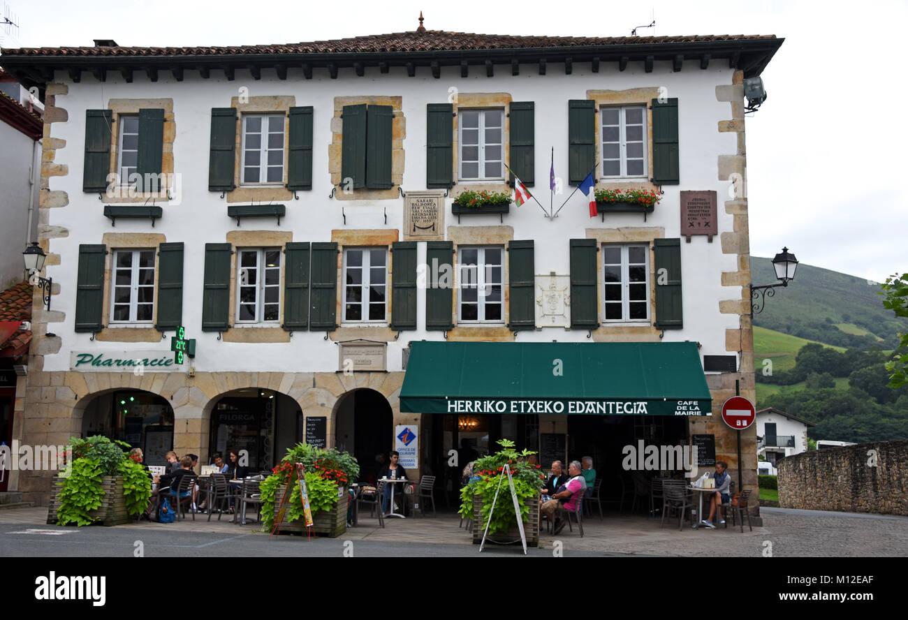L 39 h tel de ville office de tourisme sare pyr n es atlantiques france europe nouvelle - Office tourisme pyrenees 2000 ...