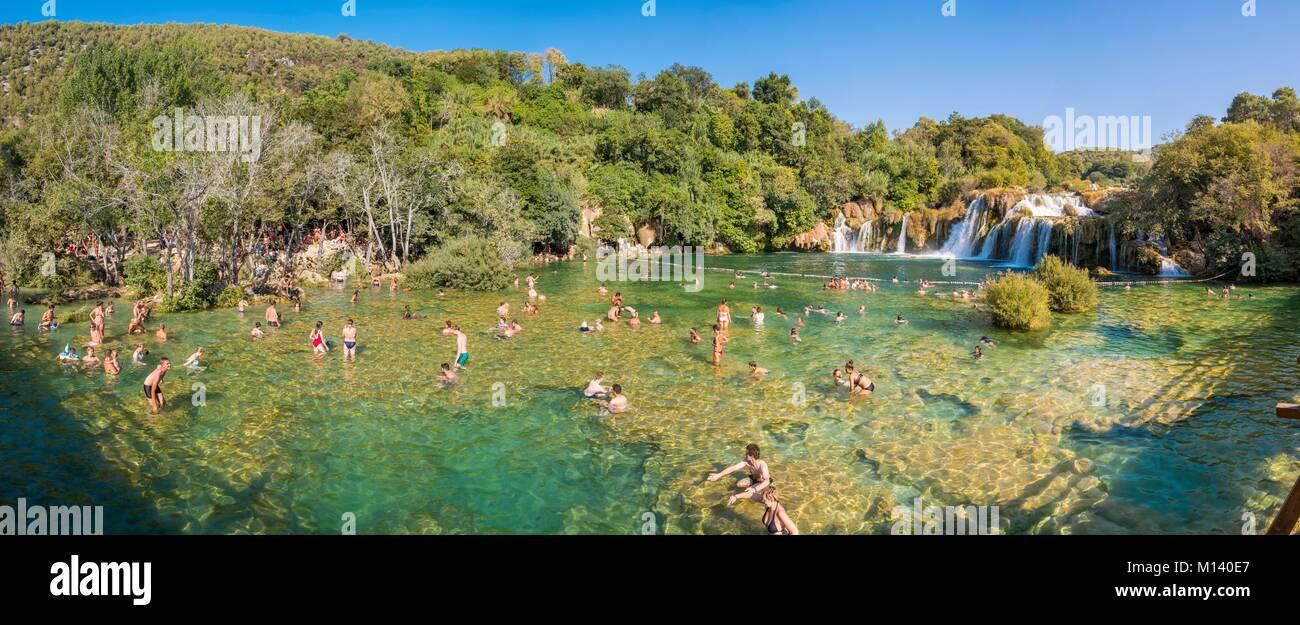 La Croatie, Dalmatie du Nord, le Parc National de Krka, chutes de la rivière Krka à Skradinski Buk Photo Stock