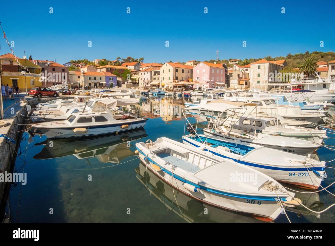 La Croatie, Dalmatie du Nord, de la côte dalmate, archipel de Zadar, l'île de Dugi Otok Sali, village Photo Stock