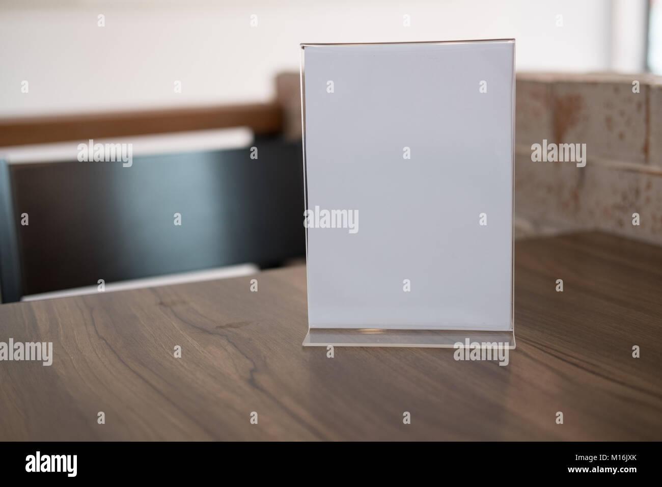 White Label Dans Le Caf Support Pour Carte Chevalet Acrylique Au