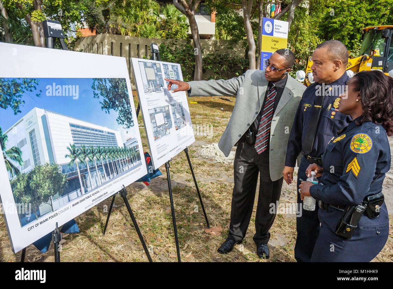 Le rendu d'architecture policière noir plans femme homme policier Banque D'Images