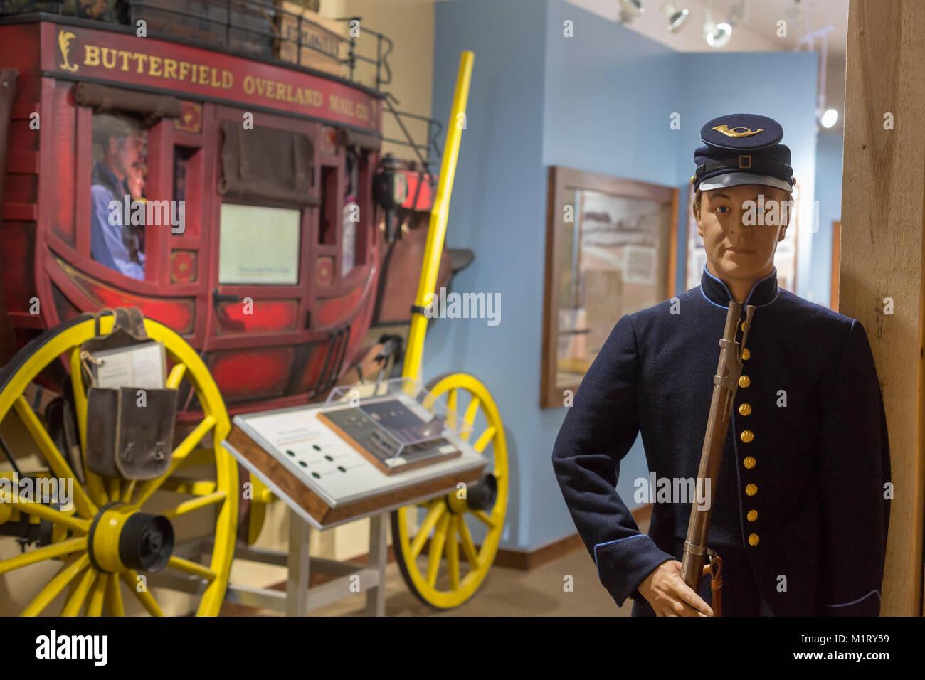 Fort Davis, Texas - une exposition dans le centre de visiteurs à Fort Davis National Historic Site illustre le rôle du fort en gardant les émigrants et stade Banque D'Images