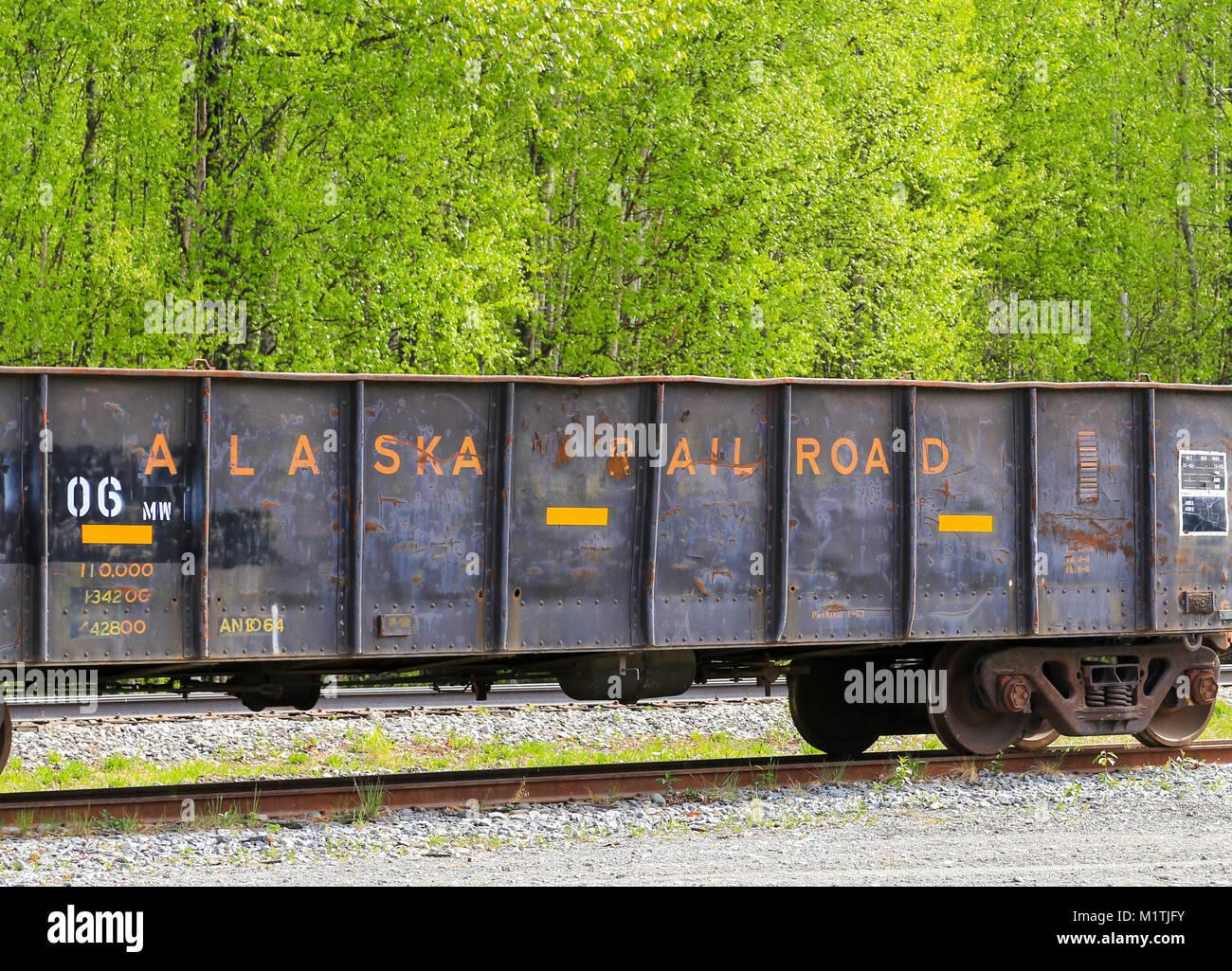 Talkeetna, Alaska, USA - Le 19 mai 2017: un wagon de chemin de fer de l'Alaska pour le fret en vrac sur Photo Stock