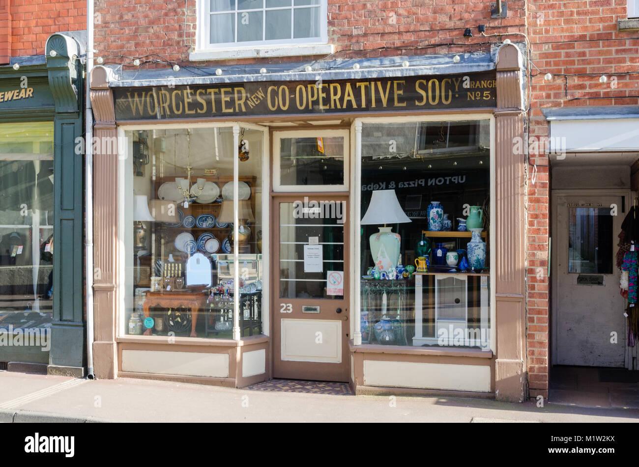 Ancienne boutique pour l'avant le Worcestershire Co-Operative Society dans le centre d'Upton sur Severn, Worcestershire, Banque D'Images