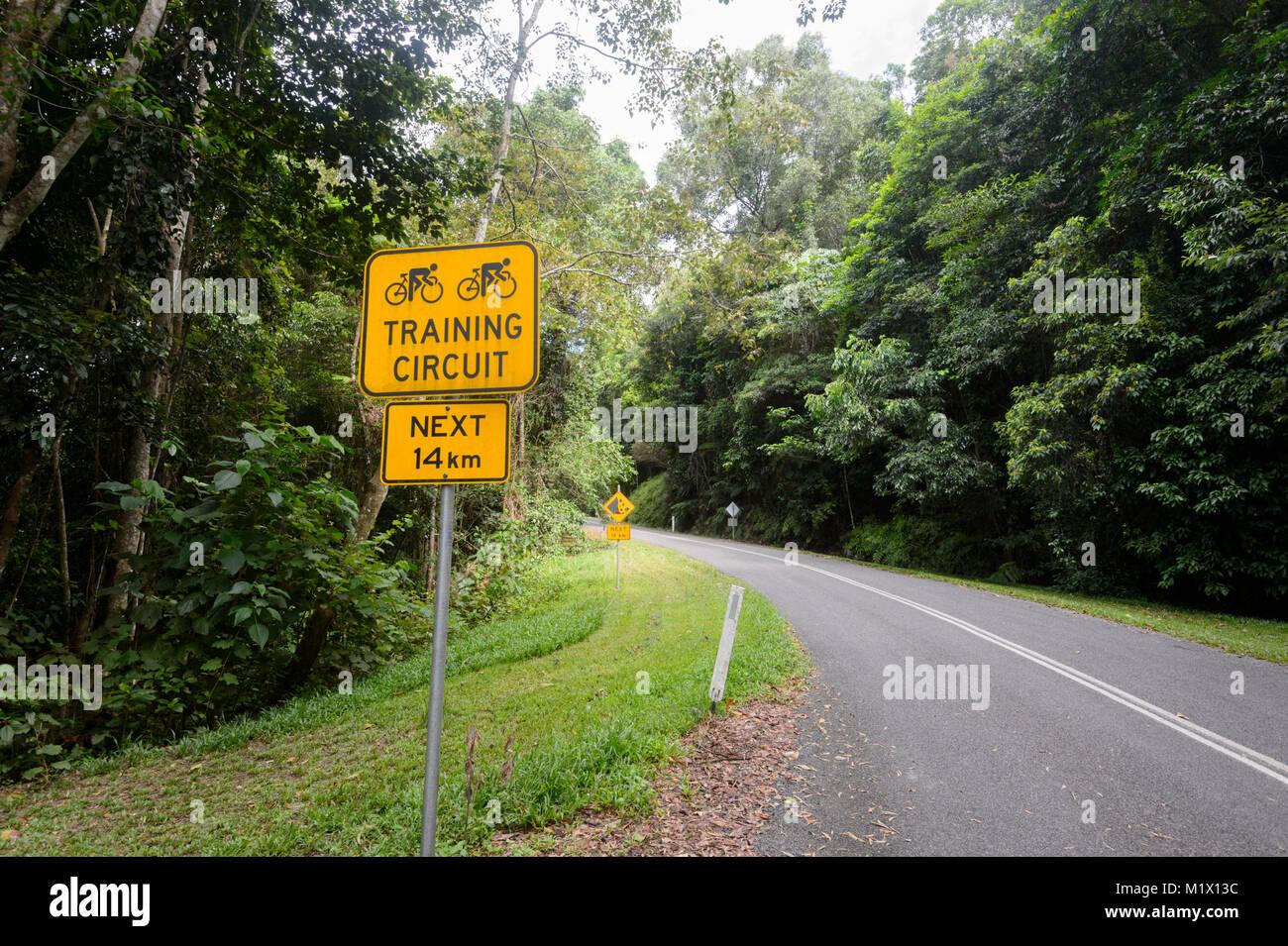 Lake Morris Road est aussi un circuit de formation de vélo, Cairns, Far North Queensland, Queensland, Australie, Photo Stock