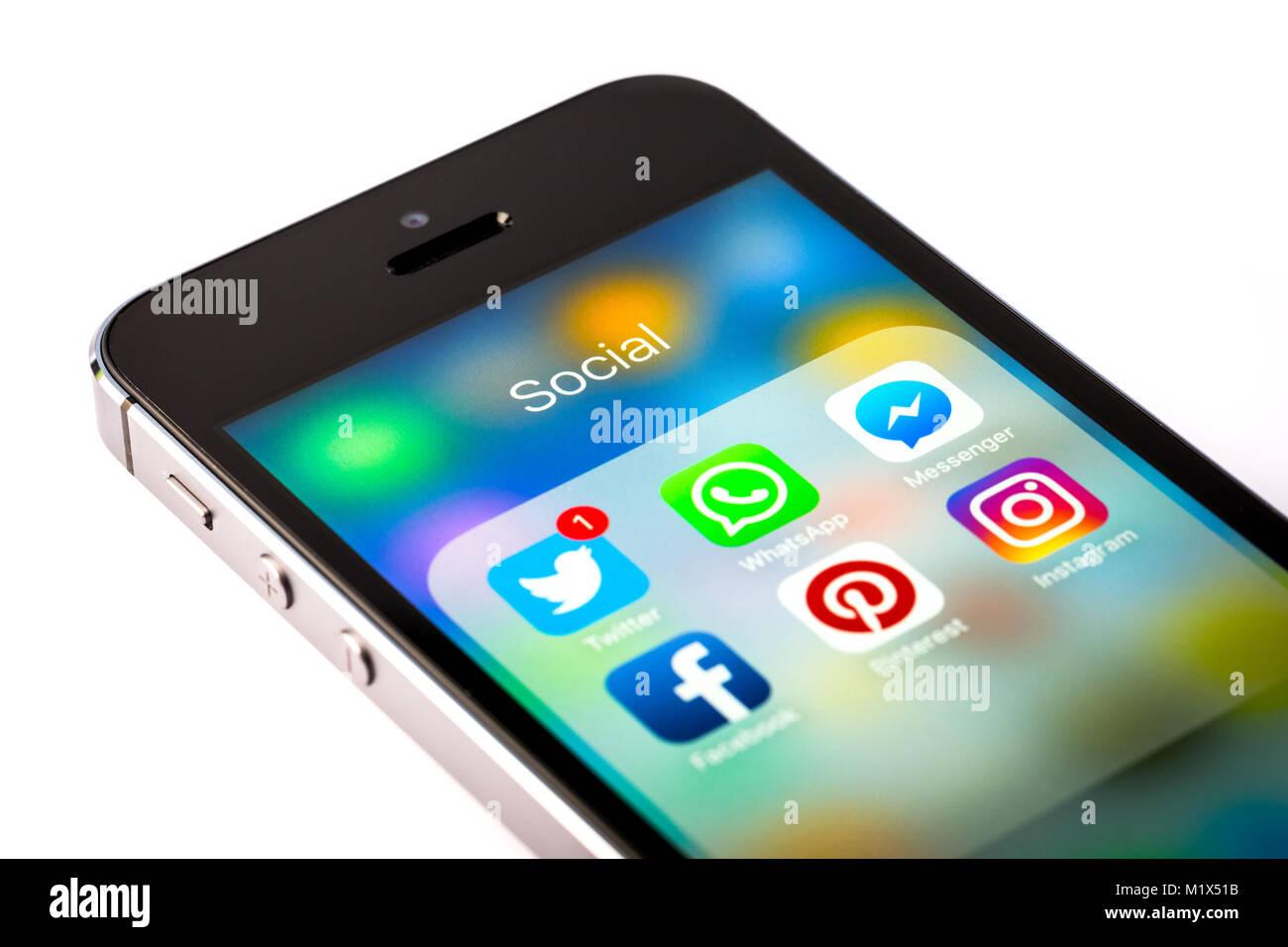 Sélection de médias sociaux des applications sur un téléphone mobile iPhone Photo Stock