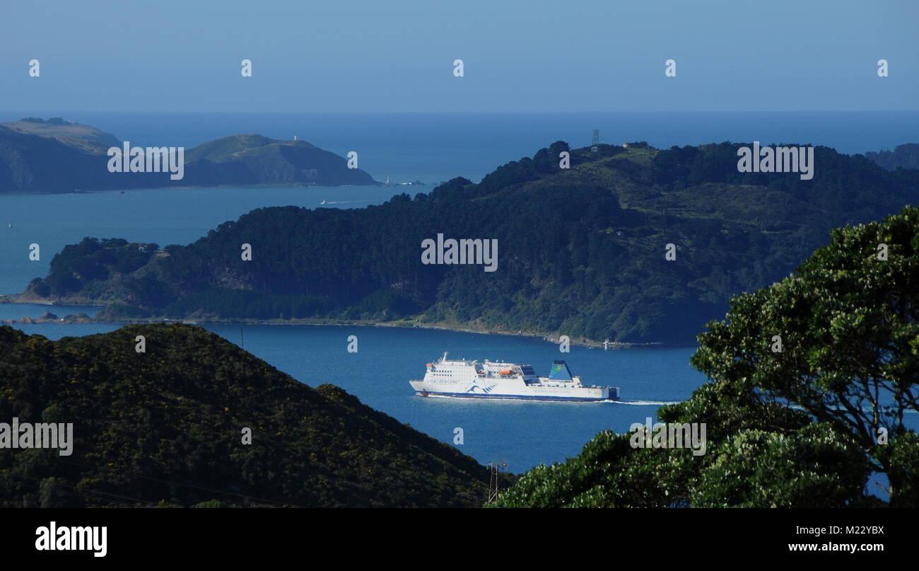Le ferry Interislander de Wellington pour quitter Aratere les trois heures de voyage à travers le détroit Photo Stock