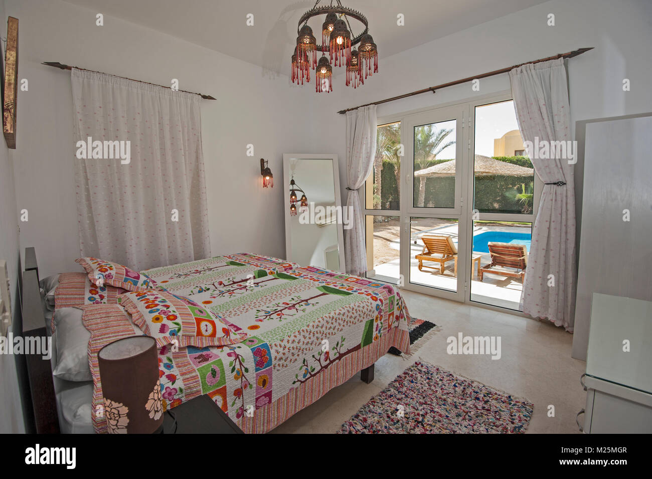 Décoration design d\'intérieur ameublement de luxe tropical ...